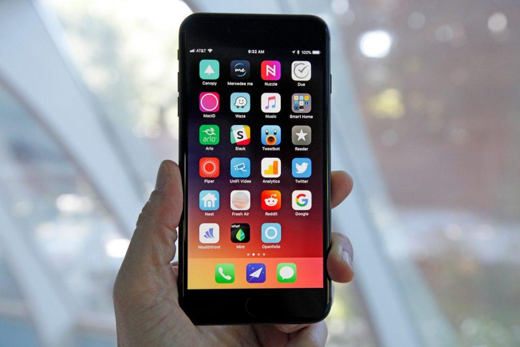 مواصفات ايفون 8 بلس و شاشة هاتف ايفون 8 بلس