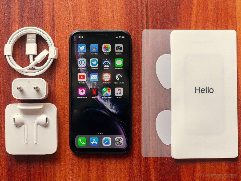 محتويات علبة هاتف iPhone Xr