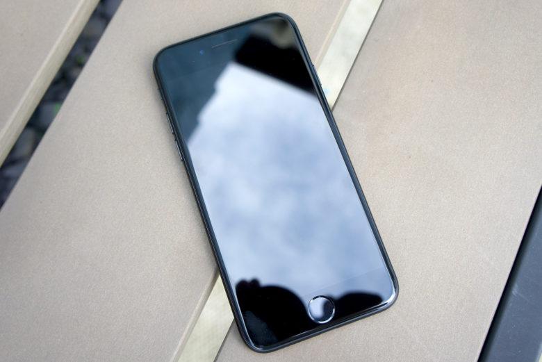 شاشة هاتف ايفون 7