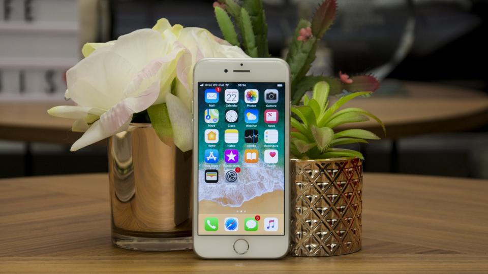 مواصفات ايفون 8 و شاشة هاتف ايفون 8