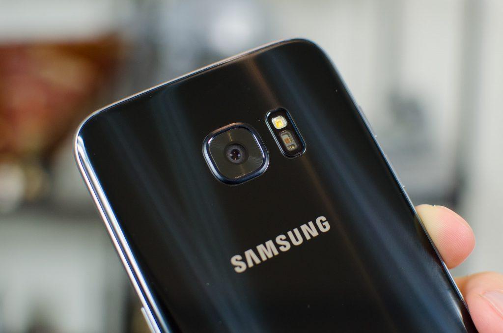 كاميرا هاتف Samsung S7 Edge