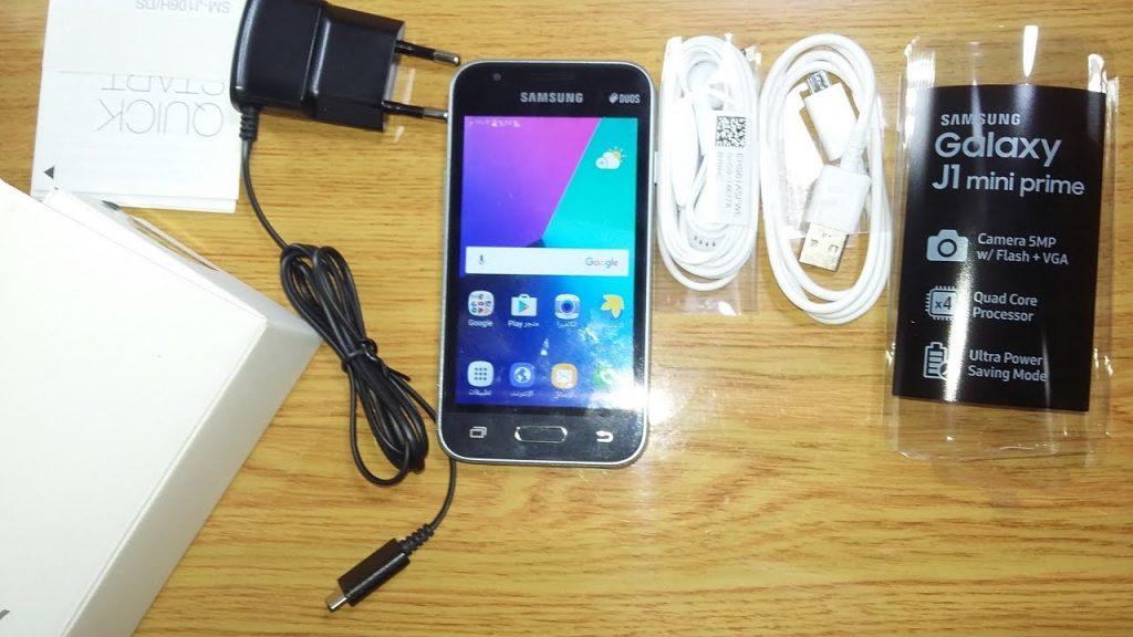 محتويات علبة هاتف Samsung Galaxy J1 Mini Prime