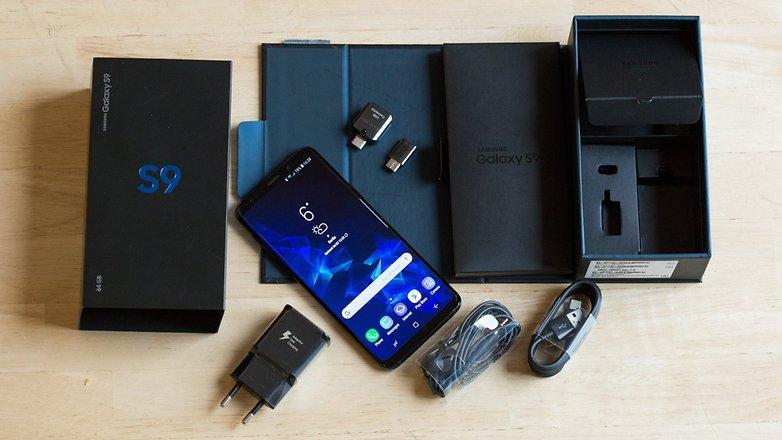 محتويات علبة هاتف Samsung Galaxy S9