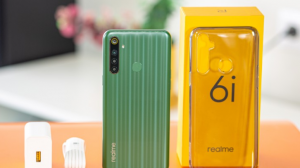 محتويات علبة هاتف Realme 6i