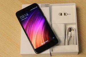 محتويات علبة Xiaomi Redmi 4X