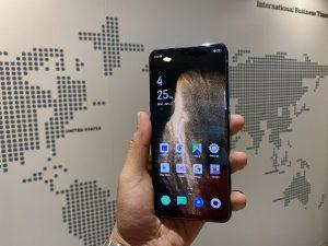 شاشة هاتف Oppo F15