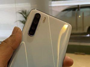 كاميرا هاتف Oppo F15