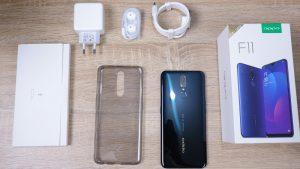 محتويات علبة هاتف Oppo F11