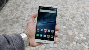 شاشة هاتف Huawei Mate 8