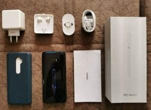 محتويات علبة هاتف Oppo Reno 2
