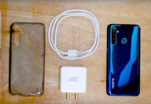 محتويات علبة هاتف Realme 5 Pro