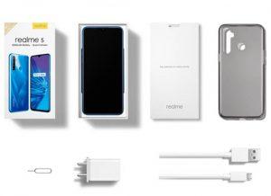 محتويات علبة هاتف Realme 5