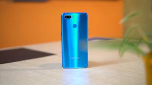 عيوب هاتف Realme U1 :-