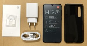 محتويات علبة هاتف Xiaomi Mi 9 SE