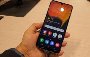 شاشة هاتف Samsung Galaxy A50