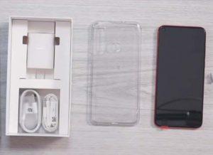 محتويات صندوق هاتف Huawei Nova 4