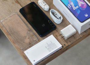 محتويات صندوق هاتف Huawei Y7p