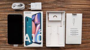 محتويات علبة هاتف Samsung Galaxy M10s