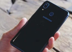 عيوب هاتف Samsung Galaxy A20