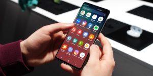 شاشة هاتف Samsung Galaxy S10
