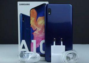 محتويات علبة هاتف Samsung Galaxy A10