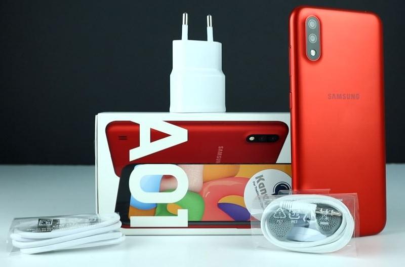 محتويات علبة Samsung Galaxy A01