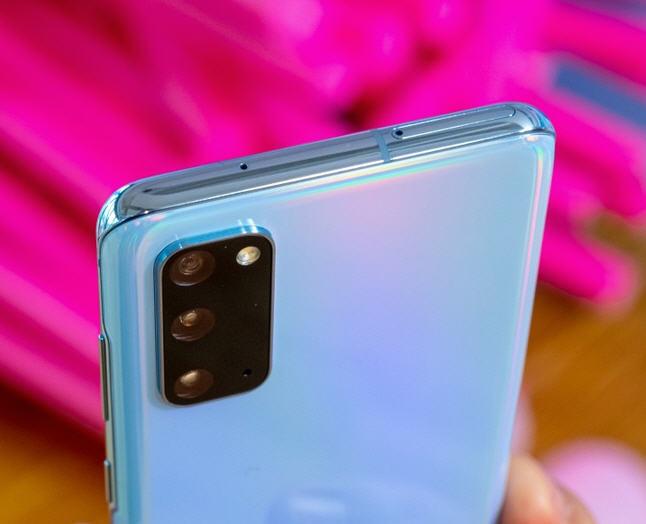 عيوب Samsung Galaxy S20