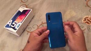 محتويات علبة هاتف Samsung Galaxy A50