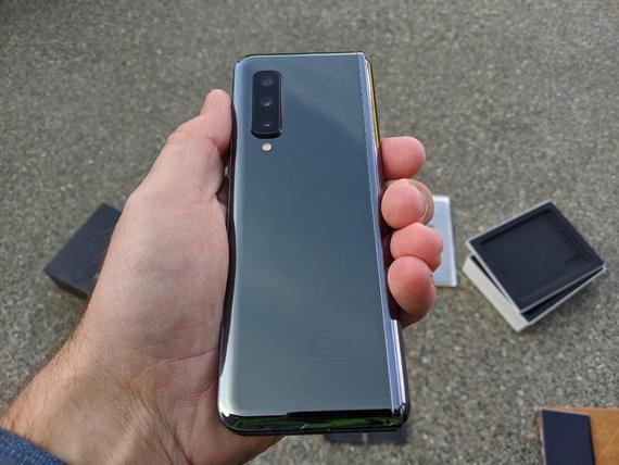 عيوب Samsung Galaxy Fold