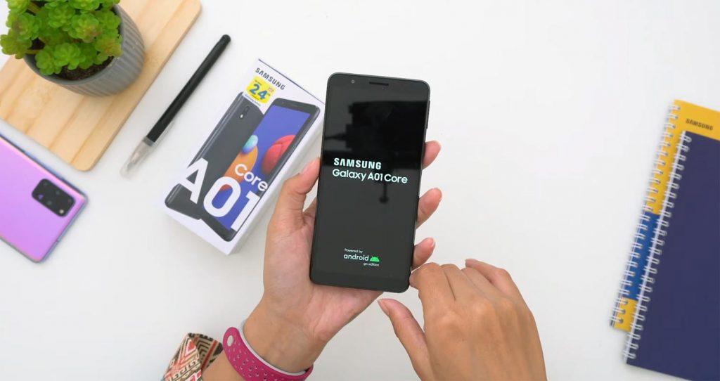 محتويات علبة Samsung Galaxy A01 Core