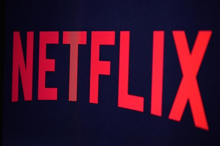 يساعدك Flixable في العثور على أفضل الأفلام والبرامج التلفزيونية على Netflix