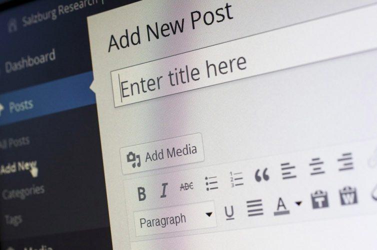 10 طرق لتنزيل موقع الويب بالكامل للوصول إليه دون اتصال