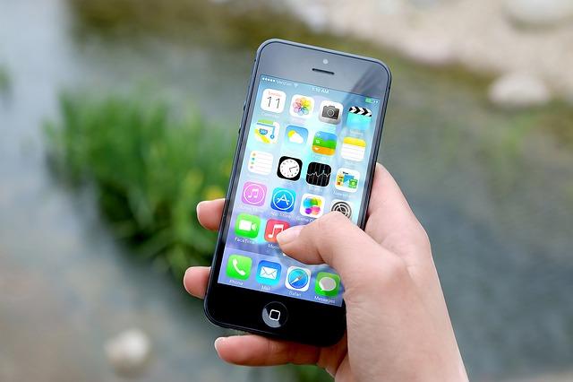 5 طرق لتسجيل المكالمات على iPhone أو Android