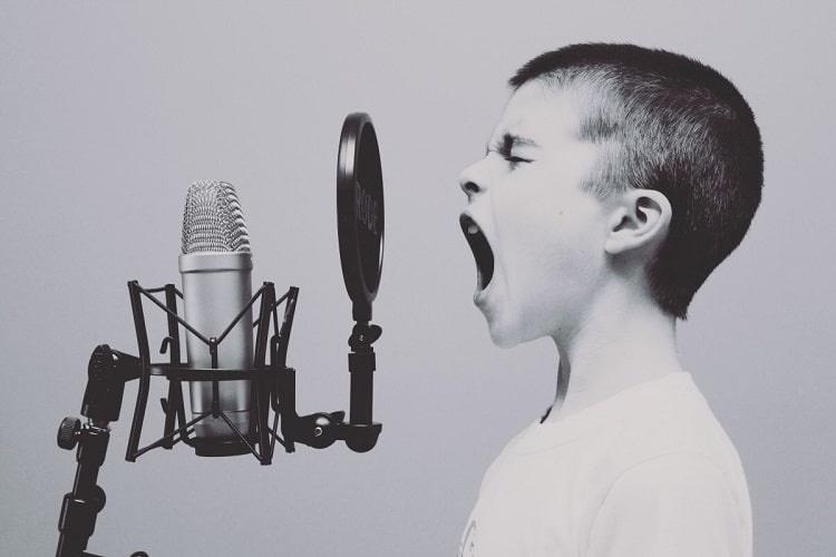 5 تطبيقات تتعرف على الأغاني من خلال Humming Tune أو الأغاني