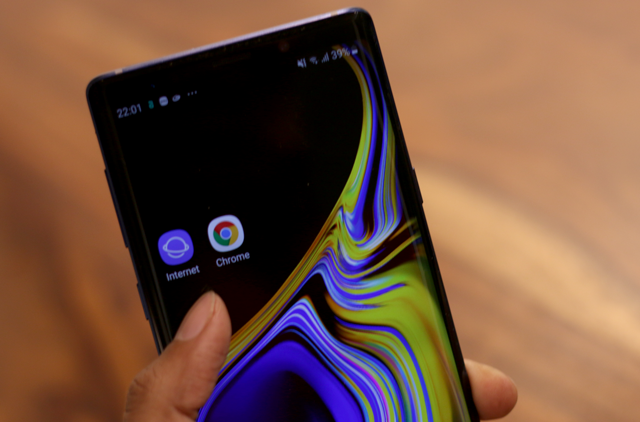 كروم مقابل . متصفح الإنترنت من Samsung: والذي يجب أن يكون متصفح Android الخاص بك
