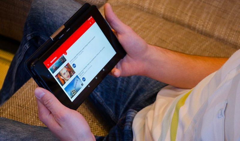 كيفية تغيير عدد المشاهدات على YouTube من Lakhs إلى الملايين
