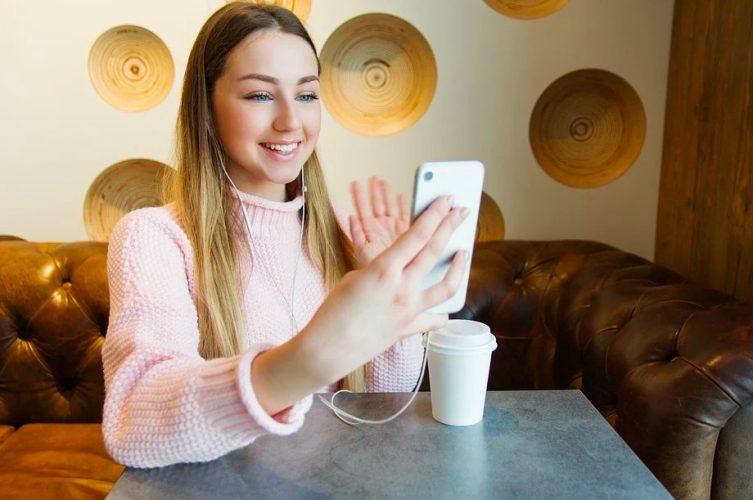أفضل 5 تطبيقات لمكالمات الفيديو بين Android و iPhone