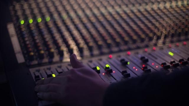 أفضل 8 بدائل لـ TuneIn لاحتياجاتك في الموسيقى والراديو