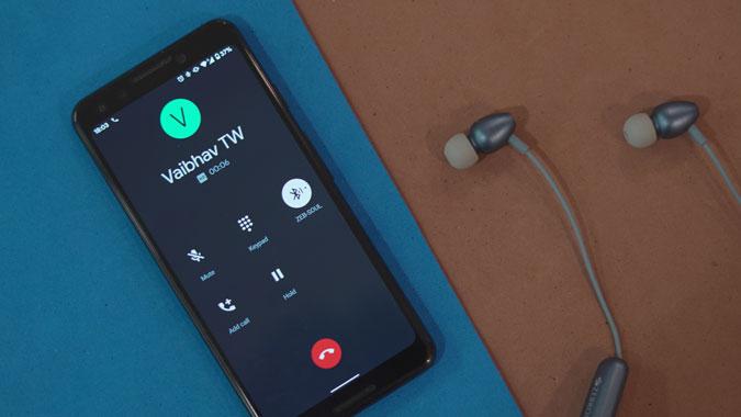 كيفية تغيير شاشة المتصل على Android
