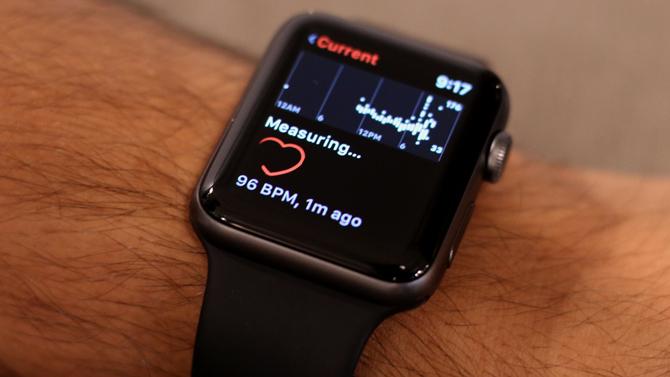 كيفية التحقق من معدل ضربات القلب على Android و iPhone